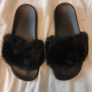 Tully's Fuzzy Slide-On Shoes